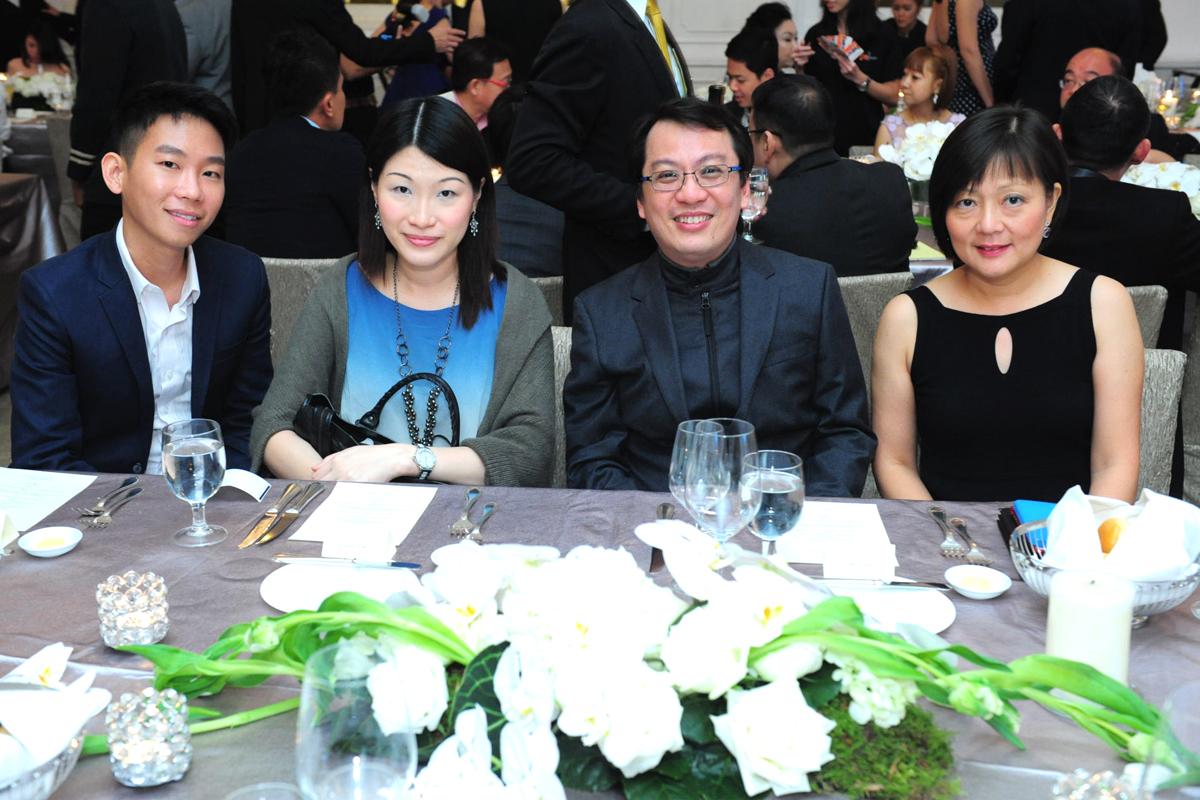 Dr Nelson Wee, Dr Donna Chow, Dr Hiak Tai Soon, Dr Sabrina Lim